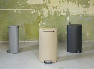 Les poubelles à pédale flatback+ de brabantia se parent de nouveaux coloris séduisant