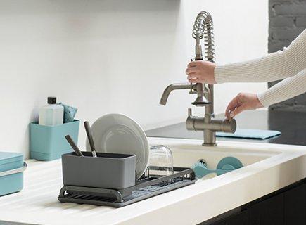 Comment organiser le plan de travail de votre cuisine.