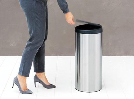 Flip top bin